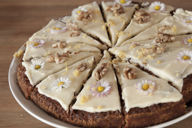carrot cake with daisies
